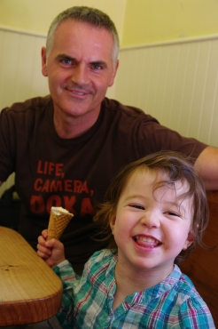"Ice cream time with ""Auntie"" Sergio!"